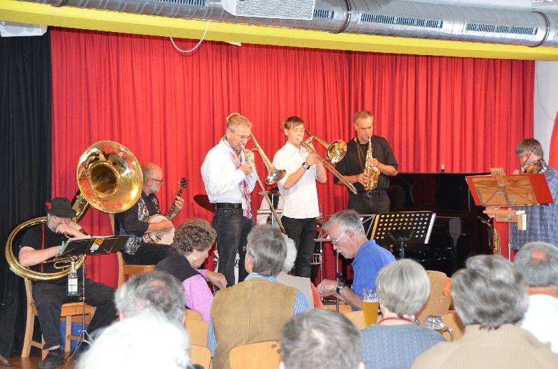 """Dixie-Busters-Freunde-schaffen-Freude-Benefiz-Session-Band"" in der ARCHE"