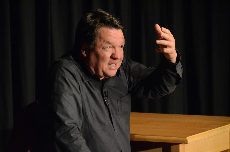 Imitator, Parodist, Kabarettist: Multikönner Helmut Schleich überzeugte in der ARCHE.