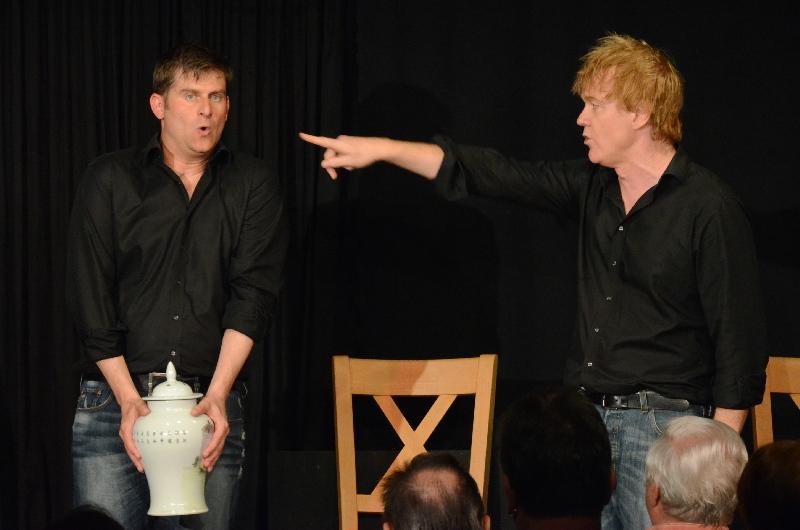 """""""Röhr Du!"""": Michael Altinger (links) und Alexander Liegl präsentierten in der ARCHE ihr neues Kabarettprogramm."""