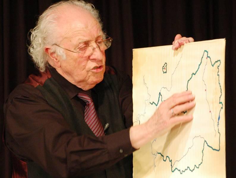 Ordnete in Dischingen Deutschland geographisch neu: Kabarettist Klaus Peter Schreiner.