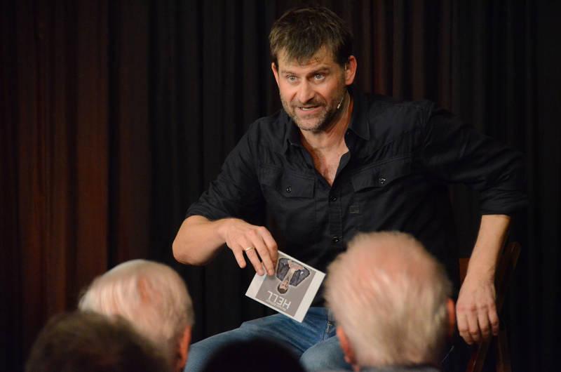 Ist gern Stammgast in Dischingen und als solcher dort auch gern gesehen: Kabarettist Michael Altinger. Foto: Siggi Feil